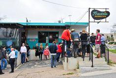 Best Austin Neighborhoods For Bars And Restaurants - Downtown - Hyde Park - Rosewood - Thrillist
