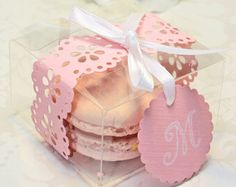 Macroon wedding favours. With lace detailed ribbon & personalised Tag.