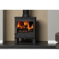 The Malvern has a 5Kw output and is equpped with a powerful airwash to help keep the large glass door clean to offer superb views of the flames. Being DEFRA approved, you can be confident about burning logs in a smoke controlled area. The Malvern is a multifuel stove enabling you to burn logs and smokeless fuels. n external riddling grate allows the ashes to be riddling conveniently without having to open the firebox door. The Malvern is supplied with an adjustable log guard for either wood…