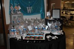 The complete party favor table
