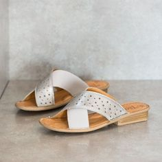 UKOMO Gray/Ghost Sandals – Tsonga USA | Punched pattern into leather upper for delicate detail
