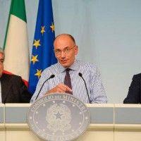 Italie: les ministres du parti de Berlusconi remettent leur démission