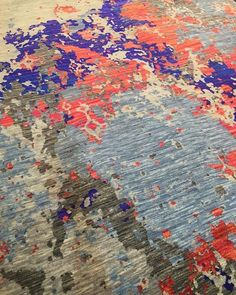 Riot of Colors on this beautiful handmade rug! 💜 Shop this at rugsandbeyond.com . . . #rugs #carpets #color #texture #tone #neutral #rugandbeyond #shopnow #vintage #modern #contemporary #loveforrugs #homedecor #interiordesign #interior123 #interiorinspo #design #decorate #lcdq #handmade #okl #woven #beauty