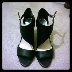 """BCBG Abstract Heels Very pretty and like new heels! I wore them just for my engagement party last year and they have been sitting in my closet ever since. 4"""" heel and easy to walk in. No scratches or tears anywhere, toes and heel are perfect. BCBGeneration Shoes Heels"""