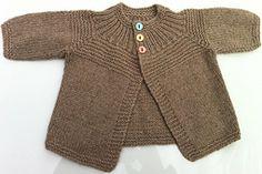 Ravelry: Golfino 3 bottoni pattern by Lanecardate Hand Knitting