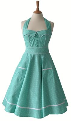 Vintage Style Mint Polka Dot Dress I wouldnt mind owning this. Polka Dot Prom Dresses, 50s Dresses, Dot Dress, Vintage Mode, Vintage Wear, Vintage Style, 50s Vintage, Pretty Outfits, Pretty Dresses