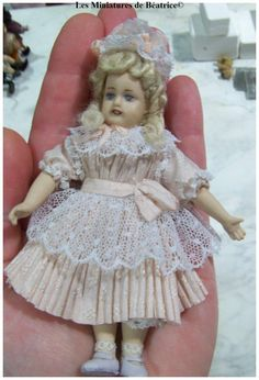 Porcelain Jumeau miniature doll for dollhouse. Very  parisian