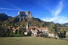 chichilianne france -  à 50 km au sud de Grenoble, au pied du Mont Aiguille, dans le massif du Vercors.