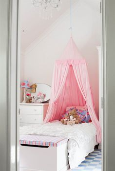Girl's bedroom - Australia / IKEA FAMILY