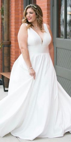 33 Plus-Size Wedding Dresses: A Jaw-Dropping Guide ❤ plus size wedding dresses. 33 Plus-Size Wedding Dresses: A Jaw-Dropping Guide ❤ plus size wedding dresses simple a line v neckline stella york Plus Size Wedding Gowns, Princess Wedding Dresses, Plus Size Dresses, Bridal Dresses, Stella York, Marriage Reception Dress, Moonlight Couture, Plus Size Brides, Looks Plus Size