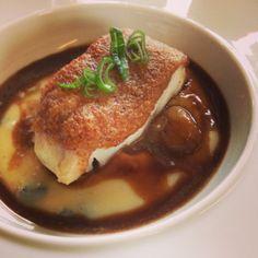 Premier repas 100% de Toques'N'Truffes 2014 : Pavé de cabillaud piqué à la Tuber Melanosporum, croute de noix. Pomme de terre truffé, sauce civet aux marrons.