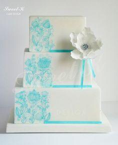 Acquamarine  Hand Painted Wedding cake