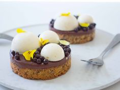 Desserts To Make, Mini Desserts, No Bake Desserts, Sweets Recipes, Real Food Recipes, Cake Recipes, Pastry Art, Pastry And Bakery, Chocolate Ganache Tart
