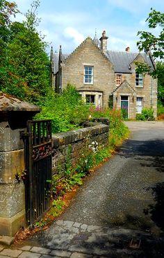 Pitlochry, Scotland.........LOVE Pitlochry!
