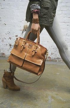 Fall handbag favorite: Dooney & Burke Leather Satchel Love this bag and it has been on my want list since it first came Handbags Fall Handbags, Purses And Handbags, Satchel Handbags, Trend Fashion, Fashion Bags, Michael Kors, Mode Style, Beautiful Bags, Dooney Bourke