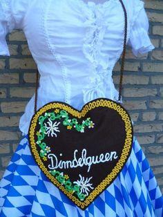 Oktoberfest Dirndl-Tasche Lebkuchenherz  von Jana´s Hüttenwerk auf DaWanda.com