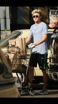 See celebrities go grocery shopping I just won an argument