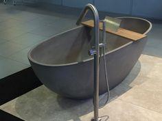 Vrijstaand bad luva solid surface italiaans badkamer for Inspiratiehuis echt