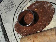 Σοκολατένια μπισκότα Βρώμης με Φουντούκια συνταγή από Zoe Tsomaka - Cookpad Pudding, Beef, Desserts, Food, Meat, Tailgate Desserts, Deserts, Puddings, Meals