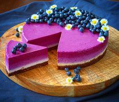 Nepečený borůvkový cheesecake – Worth to eat… Raw Vegan Cake, Raw Cake, Top Recipes, Sweet Recipes, Cooking Recipes, Czech Recipes, Vegan Cheesecake, Healthy Cake, Mini Cheesecakes
