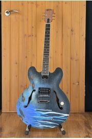 tom delonge guitar cool guitar guitar painting guitar art. Black Bedroom Furniture Sets. Home Design Ideas