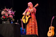 Fun times at a EDA Jewel Concert!      http://gadgetgirltips.com/