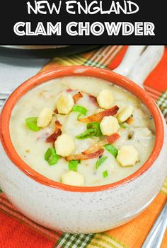 New England Clam Chowder: Tender clams, and smoky bacon in a thick creamy broth. Make restaurant quality soup at home in under 25 minutes! Best Soup Recipes, Chili Recipes, Potato Recipes, Fish Recipes, Seafood Recipes, Seafood Dishes, Amazing Recipes, Pasta Recipes, Chicken Recipes
