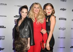 "What keeps Christie Brinkley inspired? Her two daughters Alexa Ray Joel and Sailor Lee Brinkley-Cook. (Photo: ANGELA WEISS, AFP/Getty Images)    For the women of Sports Illustrated's swimsuit issue, ""bikini weather"" isn't just a few summer months — it's every... http://usa.swengen.com/christie-brinkley-kate-upton-offer-powerful-tips-on-self-love-at-sports-illustrated-swim-issue-launch/"