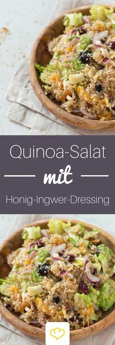 Quinoa Salat mit Honig-Ingwer-Dressing Süßes Trockenobst, knusprige Mandelblättchen und das säuerlich-scharfe Dressing verwandeln schnöden Quinoa in einen super leckeren, gesunden Salat. Schmeckt als leichtes Abendessen, aber auch als Snack im Büro oder in der Uni.