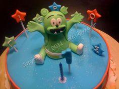 Gummy Bear Cake  Flickr Photo Sharing cakepins.com gummibär birthday party idea