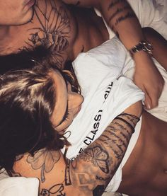 Your heart is trying to defend and keep the relationship but. The listed signs below signify that a relationship is over and when to end the relationship. Cute Couples Goals, Couples In Love, Love Couple, Couple Goals, Ending A Relationship, Relationships, Tumblr Couples, Peter Hale, Fotos Goals