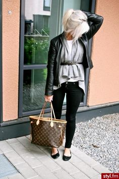 Belted grey cardigan, white t-shirt, black leather jacket and skinny jeans