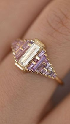 Beautiful Art Deco baguette ring with amethyst tones - Jewelry, . - Beautiful Art Deco baguette ring with amethyst tones – jewelry, - Art Deco Jewelry, Vintage Jewelry, Fine Jewelry, Jewelry Design, Jewelry Ideas, Jewelry Rings, Jewlery, Vintage Art Deco Rings, Custom Jewelry