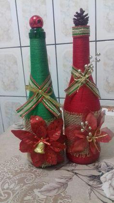 Wine Bottle Art, Diy Bottle, Wine Bottle Crafts, Mason Jar Crafts, Diy Hair Bow Holder, Christmas Wine Bottles, Diy Arts And Crafts, Christmas Deco, Xmas Decorations