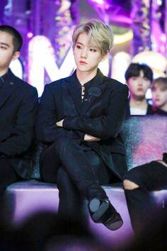 exo baekhyun MMA :: he looks so good just sitting there and breathing || #exo #baekhyun