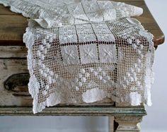 antique filet lace set from 5gardenias