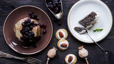 """Rčení """"ani za mák"""" tu dnes rozhodně nenajdete. Po ochutnání našich lahodných receptů budete zásadně pro mák! Propadněte kouzlu vláčného dortu, křehkých sušenek nebo nadýchaných lívanců! Acai Bowl, Panna Cotta, Goodies, Food And Drink, Healthy Recipes, Healthy Food, Pudding, Cooking, Breakfast"""