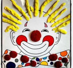 a modeler: Les boudins Clown Crafts, Circus Crafts, Carnival Crafts, Carnival Themes, Carnival Masks, Circus Theme, Circus Party, Clown Cirque, Le Clown