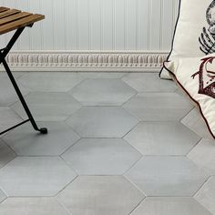 French Country Bedrooms, French Country Decorating, Country Bathrooms, Farmhouse Bathrooms, Bathroom Floor Tiles, Tile Floor, Concrete Look Tile, Cement Floors, Ideas Dormitorios