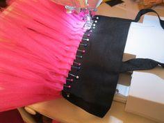 Les Toteable TuTu Bag (with Pictures) - Instructables Diy Tulle Skirt, Diy Tutu, Ballet Bag, Ballet Tutu, Ballet Shoes, Diy Tote Bag, Diy Purse, Tote Bags, Tutu Frocks