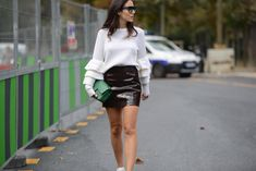 - Leather skirts to flirt - More #streetstyle images on www.thestreetmuse.it