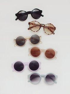 SUNGLASSES des lunettes aux couleurs pastels pour les plus douces entre-vous.