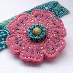 brož Dewy Flower