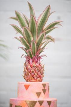 Pineapple Cake Topper Mid-Century Modern Love: A Palm Springs-Inspired Wedding Shoot Photo By Mikkel Paige, Venue: Sky Gallery, Floral Design By Sachi Rose Floral Design, Planning By Color Pop Events, Cake By Lael Cakes Wedding Shoot, Wedding Day, Gatsby Wedding, Palm Springs Style, Pineapple Cake, Modern Love, Wedding Cake Inspiration, Floral Cake, Orlando Wedding