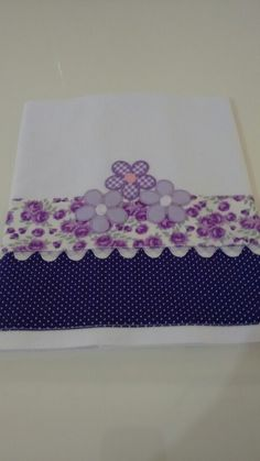 Pano copa Embroidery Works, Applique Embroidery Designs, Machine Embroidery, Diy Sewing Projects, Sewing Crafts, Quilt Border, Sewing Rooms, Crochet Designs, Kitchen Towels