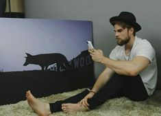 Share, rate and discuss pictures of Nathaniel Buzolic's feet on wikiFeet - the most comprehensive celebrity feet database to ever have existed. Mode Masculine, William Moseley, Nathaniel Buzolic, Barefoot Men, Mens Flip Flops, Male Feet, Hot Actors, Vampire Diaries The Originals, Sexy Feet