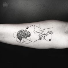 "8,973 Me gusta, 31 comentarios - Okan Uckun (@okanuckun) en Instagram: ""Use your brain • Done using @eikondevice"""