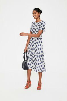 68a9cccc73 My Style Midi Dress Work Style #NarrativeStyleOutfits Lana Jackson DC  Stylist | Shop The Look