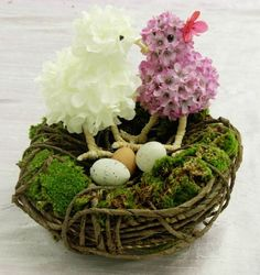 Adorning your Easter Home with Beautiful Floral Inspiration. Ideas to get you started. #Easter #home #decor