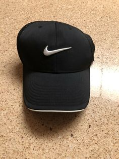 1c629b4ebcf Nike Golf VR Black Dri Fit Featherlight Hat Sz OSFA  fashion  clothing   shoes